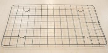 Перепелиная решетка (84 ячейки) для инкубатора Несушка